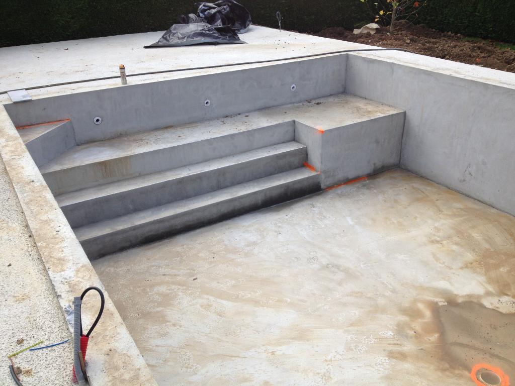 Modification marches piscine